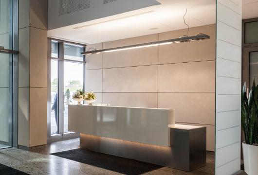 サクラインターナショナル-商ルーム-常設空間の構築として、企画戦略、意匠、施工、コンテンツ制作、施設運営までトータルサポート