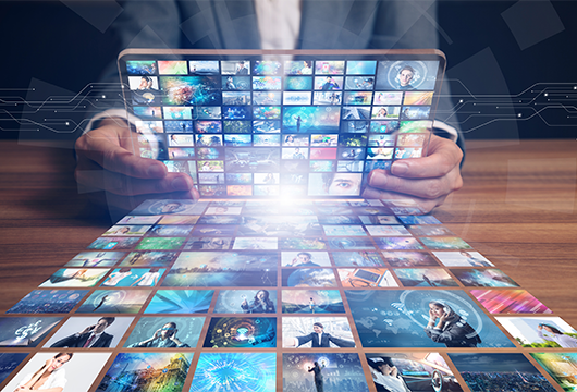 サクラインターナショナル-商ルーム-グラフィックパネルや動画制作、自社配信のサポートなど幅広いコンテンツ制作をします
